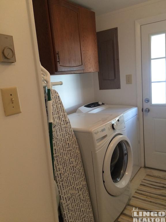 325laundry 325 COUNTRY CLUB DRIVE Rental Property