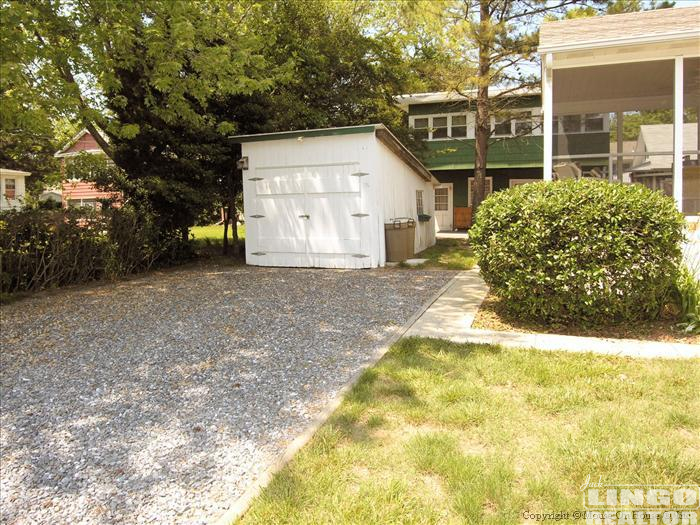 Web_Exterior-Parking 707 BAYARD AVENUE 2ND FLOOR  Rental Property